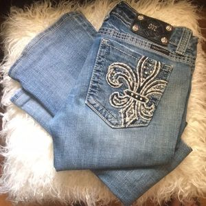 Miss Me distressed jeans size 28 boot